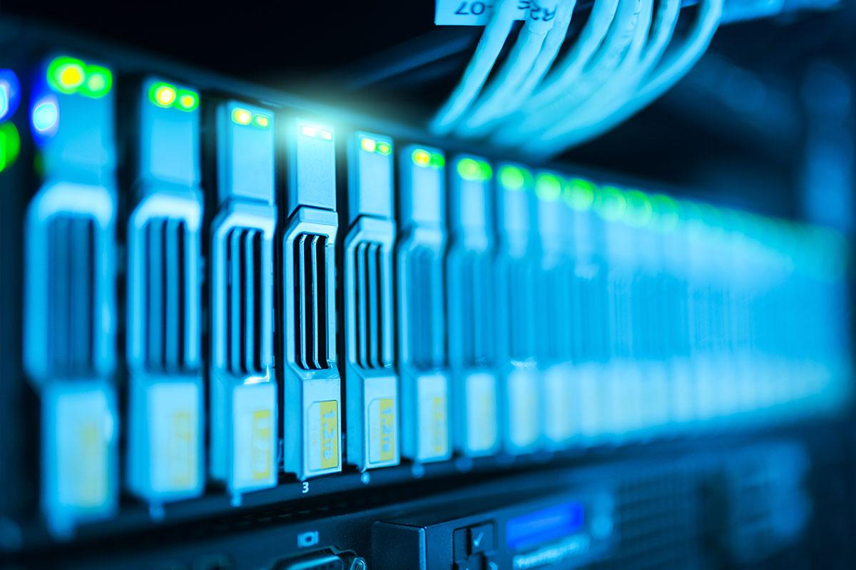 wordpress tárhely domain vásárlás melyik szolgáltató jobb összehasonlítás szerver